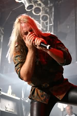 http://www.metallibrary.ru/bands/discographies/images/andi_deris/photos/andi_deris_01.jpg