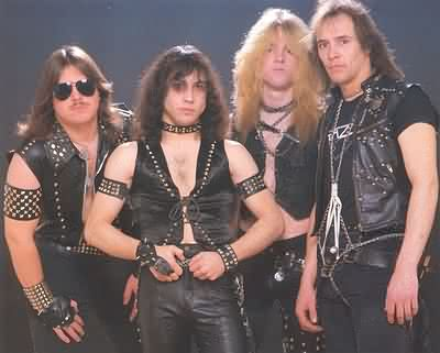http://www.metallibrary.ru/bands/discographies/images/razor/photos/razor_01.jpg