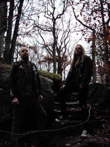 http://www.metallibrary.ru/bands/discographies/images/skogen/photos/skogen_01.jpg